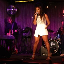 Hochzeitsband: Party Band - NONHLE BERYL - Solo // Duo // Jazz Trio // DJ & Live Musik // Party Band